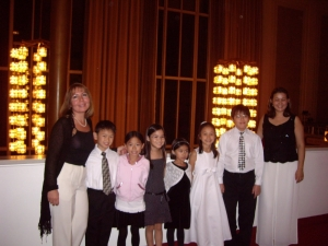 2005 Professor Ritter and Students at Kennedy Center