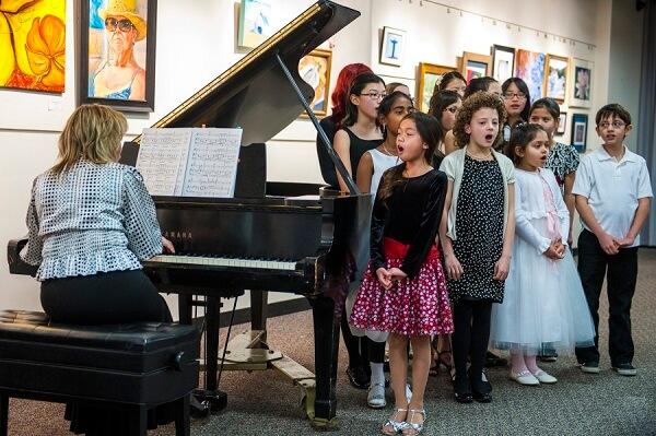 student-recitals-include-childrens-chorus
